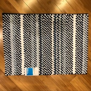 Blue & White Memory Foam Bath Mat